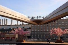 Взгляд плавучего моста с туристами Стоковая Фотография RF