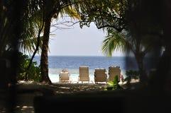 Взгляд пляжа острова Мальдивов Стоковое Изображение
