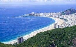 Взгляд пляжа от хлебца сахара, Рио-де-Жанейро стоковые фотографии rf