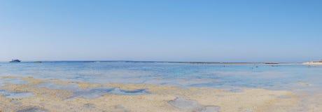 взгляд пляжа панорамный Стоковое Фото