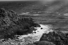 Взгляд побережья океана, идеальное перемещение и назначение праздника стоковые фотографии rf