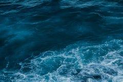 Взгляд побережья океана, идеальное перемещение и назначение праздника стоковое изображение
