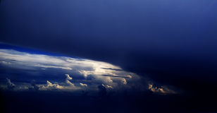 взгляд полета 48 облаков Стоковые Фотографии RF