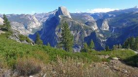 Взгляд половинного купола Yosemite сценарный сток-видео