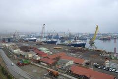 Взгляд порта груза Баку на пасмурный день в январе Стоковые Фотографии RF