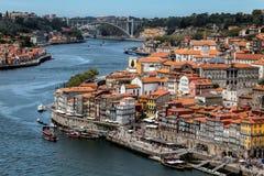 Взгляд Порту и реки Дуэро от моста Dom Луис i Стоковое Фото