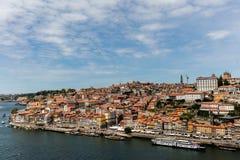 Взгляд Порту и реки Дуэро Стоковое Изображение