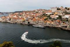 Взгляд Порту и реки Дуэро Стоковые Изображения
