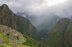 Взгляд потерянного Incan города Machu Picchu и Huayna Picchu mo Стоковое Изображение RF