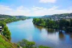 Взгляд Праги на Влтаве от Vysehrad Стоковая Фотография