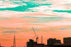 Взгляд птицы над городским пейзажем и строительной площадкой силуэта Стоковые Изображения RF