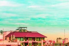 Взгляд птицы над городским пейзажем и строительной площадкой силуэта Стоковая Фотография RF