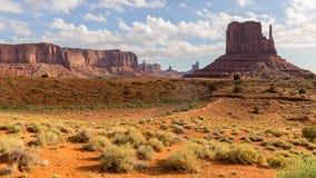 Взгляд пустыни долины памятника Стоковая Фотография
