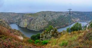Взгляд реки Дуэро около Miranda делает Дуэро Стоковое фото RF