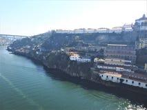 Взгляд реки Duero и nunnery - ` Mosteiro da Serra делает Pilar ` Португалия Стоковые Изображения RF