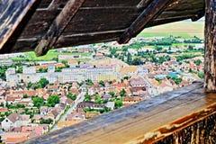 Взгляд Румыния крылечку замка городка Râșnov исторический стоковое фото