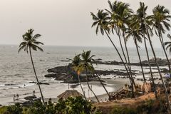 Взгляд сверху живописного пляжа моря стоковая фотография