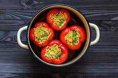 Взгляд сверху заполненных перцев красного цвета Стоковая Фотография