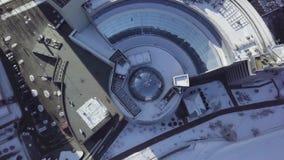 Взгляд сверху здания с крышей купола Обрамлять в потолке структуры купола видеоматериал