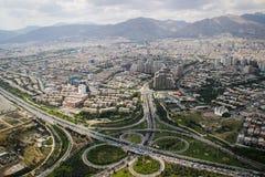 Взгляд сверху иранской столицы Тегерана стоковые изображения