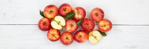 Взгляд сверху красного цвета знамени плодоовощей плодоовощ яблока яблок Стоковое фото RF