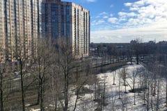 Взгляд сверху ландшафта города весны стоковое изображение rf