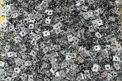 Взгляд сверху много стальная пластина после формировать процесс машиной автоматических и точности гнуть или складчатости и пунша  стоковая фотография rf