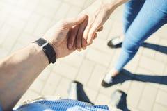 Взгляд сверху мужских и женских рук совместно Стоковые Фото
