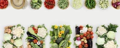 Взгляд сверху овощей на таблице кухни белой, spac экземпляра знамени сети Стоковые Фотографии RF