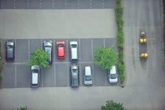 Взгляд сверху припаркованных автомобилей Стоковое Фото