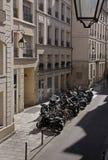 Взгляд сверху тесного места для стоянки с мотоциклами Стоковые Фотографии RF