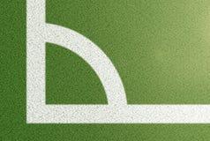Взгляд сверху угловой дуги на предпосылке футбольного поля Стоковая Фотография