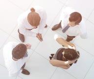 взгляд сверху фоновое изображение команды дела обсуждая вопросы дела Стоковые Изображения