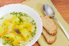 Взгляд сверху шара супа, хлеба и ложки гриба Стоковые Изображения