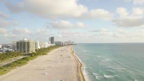 Взгляд сверху южного пляжа Майами взгляд трутня видеоматериал