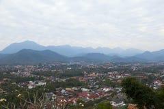 Взгляд сверху Luang Prabang от горы Phousi Стоковые Фотографии RF
