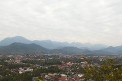 Взгляд сверху Luang Prabang от горы Phousi Стоковые Фото