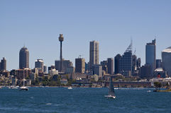 взгляд Сиднея горизонта гавани города Стоковое Фото