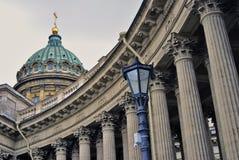 Взгляд собора значка Казани в городе Санкт-Петербурга, России Стоковое Изображение RF