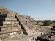 взгляд солнца пирамидки луны Мексики teotihuacan Стоковые Изображения RF