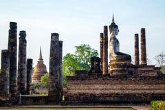 Взгляд со стороны на статуе Будды в sukhothai Стоковые Изображения