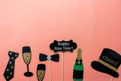 Взгляд столешницы украшений веселого рождества & счастливых орнаментов Нового Года 2019 стоковые фотографии rf