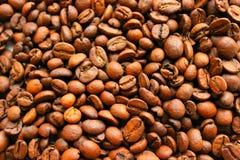 взгляд текстуры кофе фасолей предпосылки равновеликий зажаренный в духовке Арабский кофе жарки Стоковое Фото