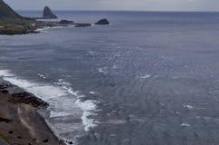 Взгляд Тихого океана от скалистого северного побережья острова орхидеи Lanyu стоковые изображения