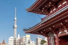Взгляд токио Skytree от виска Sensoji, токио, Японии стоковое фото