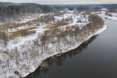 Взгляд трутня реки Neris во время зимы стоковое фото rf