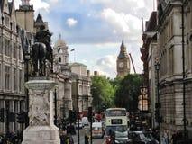 Взгляд улицы Лондона с большим Бен стоковая фотография