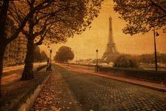 Взгляд улицы Парижа с текстурой бумаги год сбора винограда Стоковое Изображение RF