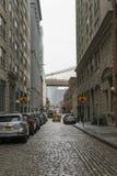 Взгляд улицы района DUMBO в Бруклине в Нью-Йорке, США стоковая фотография