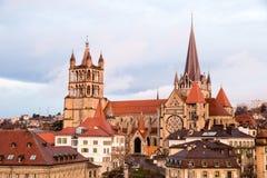 Взгляд утра собора Нотр-Дам Лозанны, Лозанны, Швейцарии стоковое изображение rf